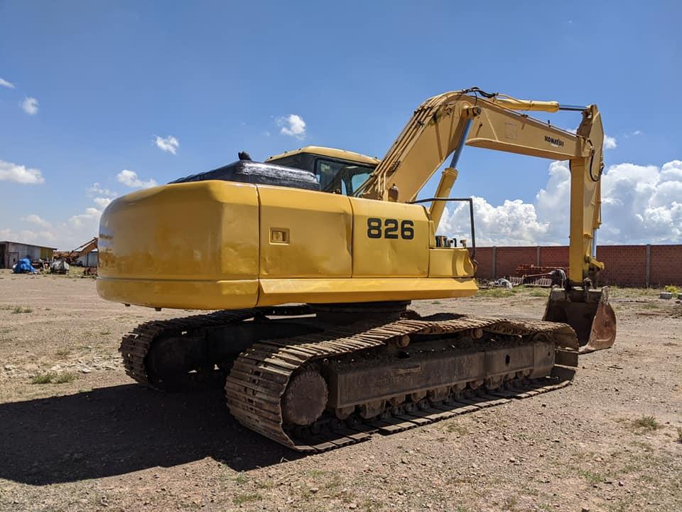 excavadora-Komatsu-PC220-7