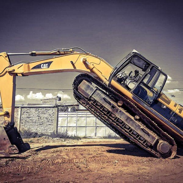excavadora caterpillar 330CL año 2004