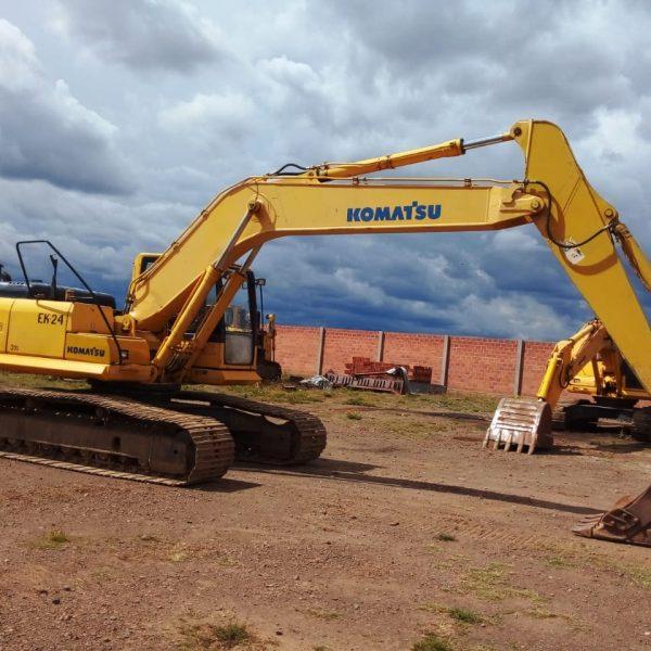 excavadora-komatsu-pc220-8-2008